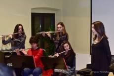 La classe di flato con Anita, Gabriele, Laura e Sara mentre accompagnato Chiara Marinoni