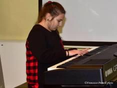 Andreea Raduta mentre suona il pianoforte